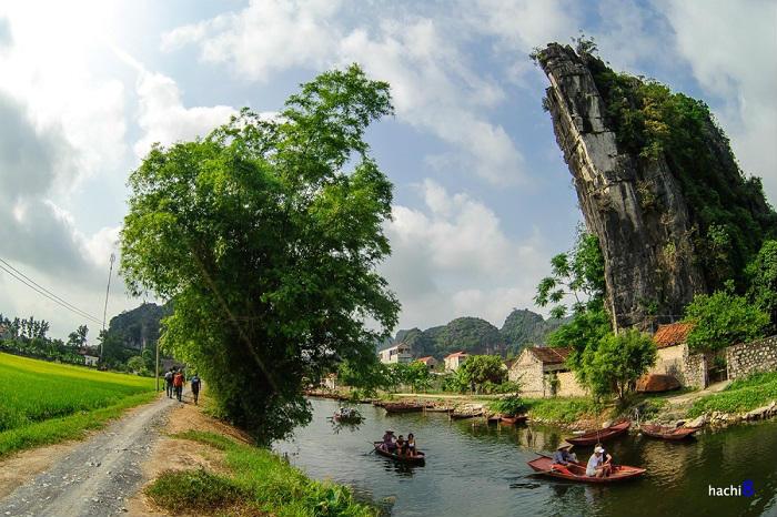Du lịch ở đâu rẻ tại Skull Island Ninh Bình