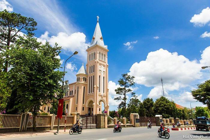 Nhà thờ con Gà - Du lich Đà Lạt