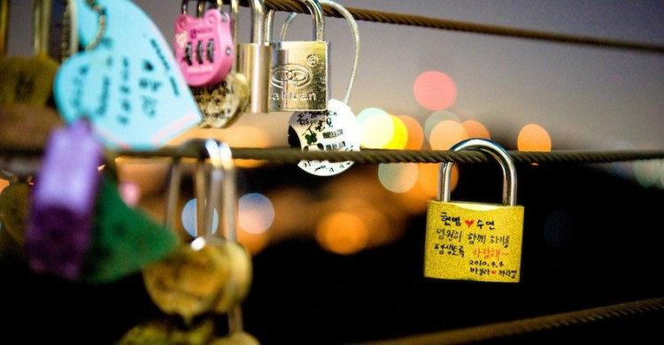 Du lịch Hàn Quốc tự túc Tháp Seoul - Tháp Namsan